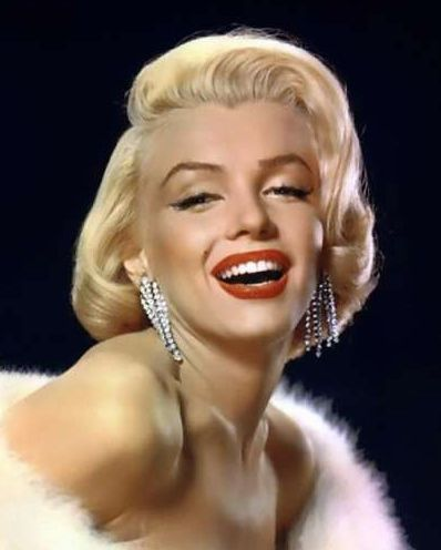 Who's a more perfect example of 1950's makeup than Marilyn?